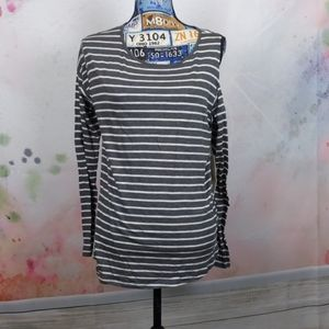 Two by Vince camuto gray white stripe top large